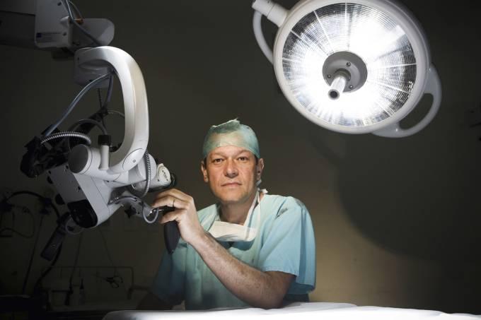 Paulo-Niemeyer-Filho,-neurocirurgião-e-professor-de-pós-graduação-da-PUC-Rio._2.jpg
