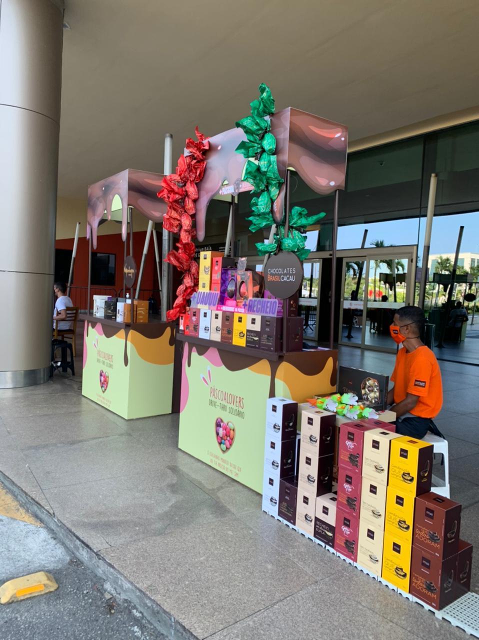 Shopping Metropolitano Barra: estandes estão com vitrines para clientes comprarem sem sair do carro