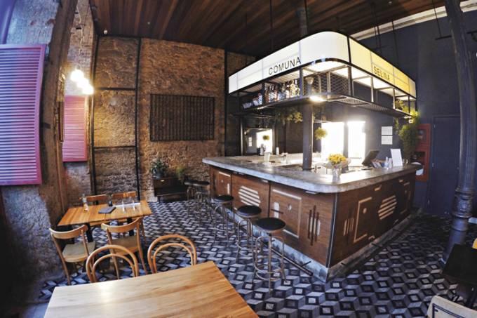 mesas-e-Comuna: de volta ao circuito de bares, agora na Lapa-.-Divulgação.jpg