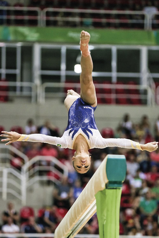 Flavia Saraiva, ginástica olímpica - Treinos sete horas por dia, seis vezes por semana, depois de passar quatro meses em casa -