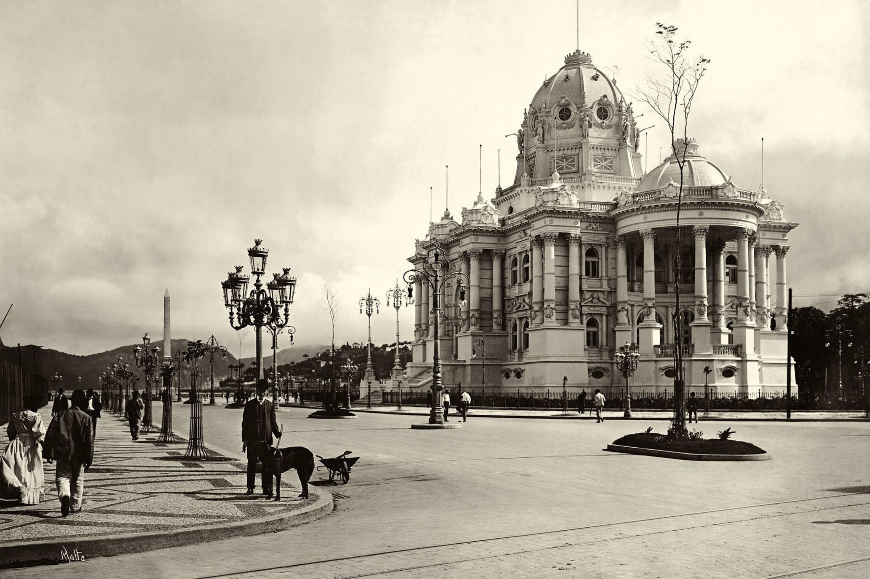 O Palácio Monroe em seus tempos áureos, logo após sua inauguração em 1906 - foto de Augusto Malta -