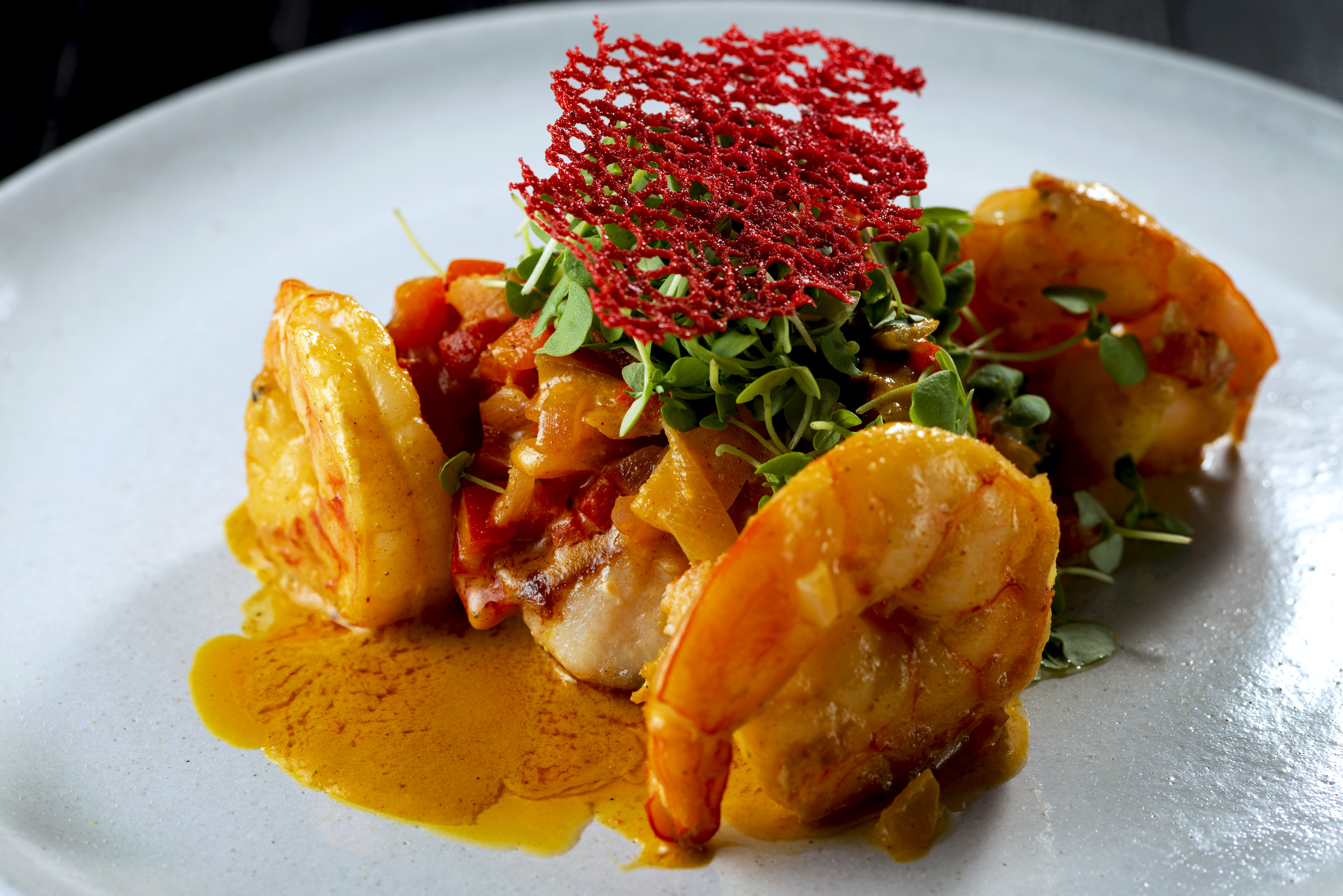 Kitchen: moqueca tailandesa com peixe e camarão