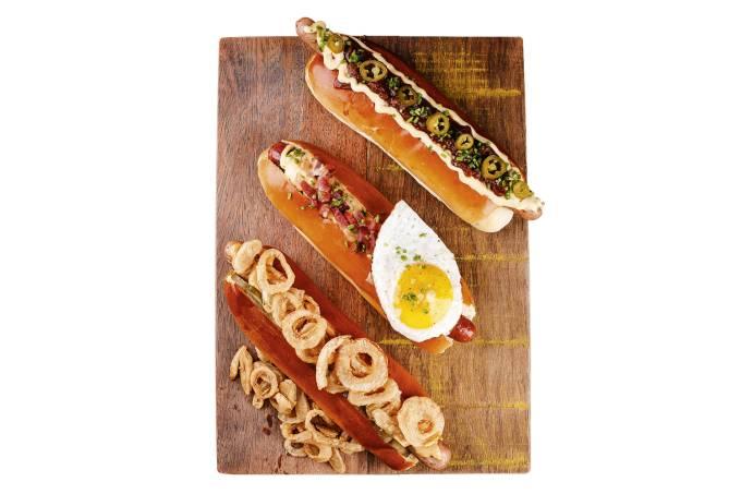 Trio-de-Hot-dog-¿-Bauern-Dog-+-Hot-dog-Copenhagen-+-Chilli-Dog—WURSTERIA—Fábio-Rossi.JPG