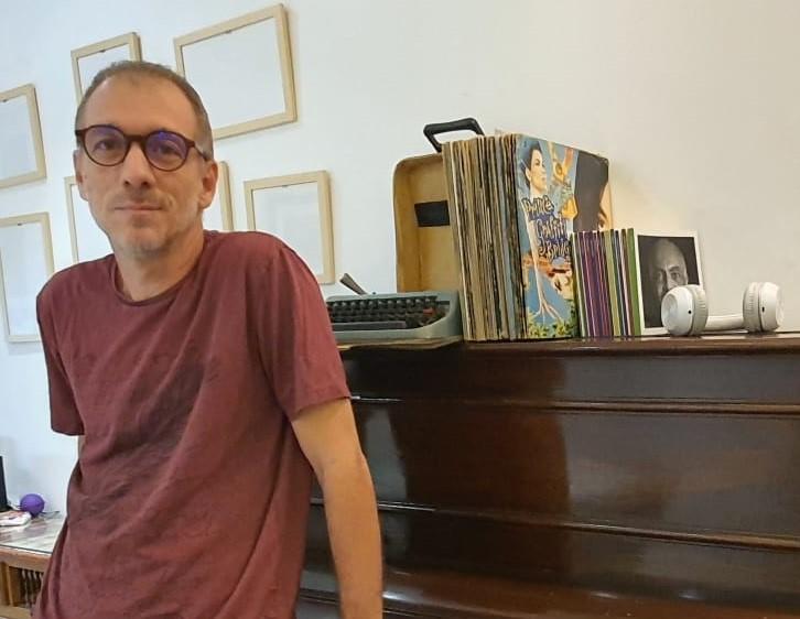 O crítico musical Túlio Ceci Villaça