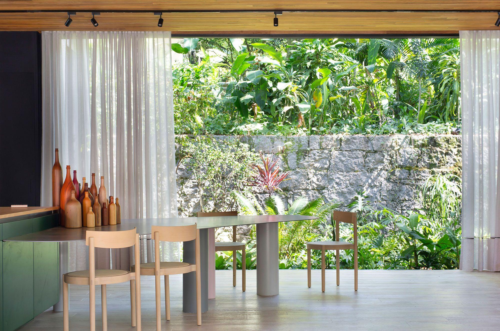 UP3 Arquitetura – Casa UP. Michelle Wilkinson, Thiago Morsh e Cadé Marino. Ambiente da CASACOR Rio 2021.