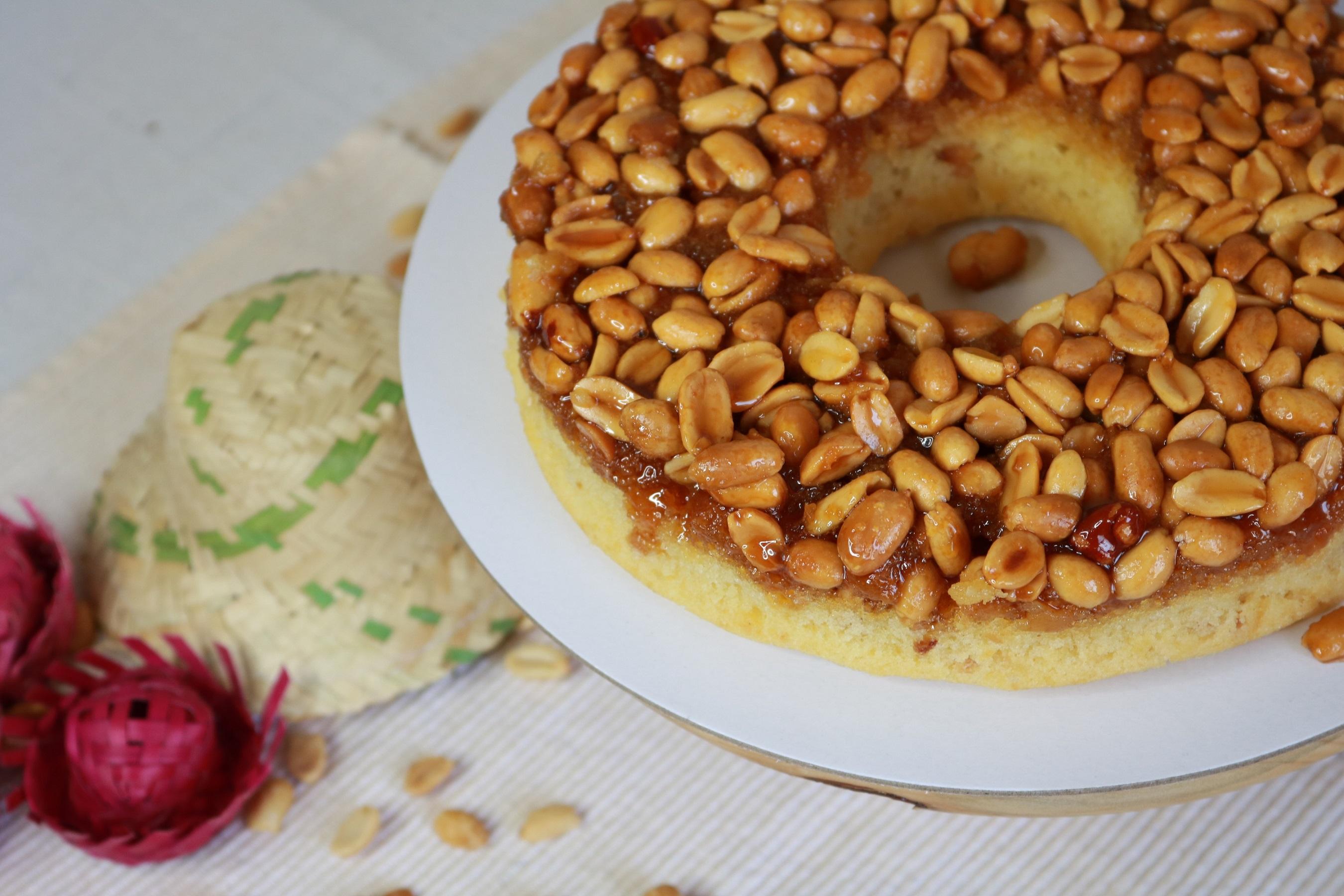 Diva Confeitaria Festiva e Afetiva: bolo de amendoim caramelizado