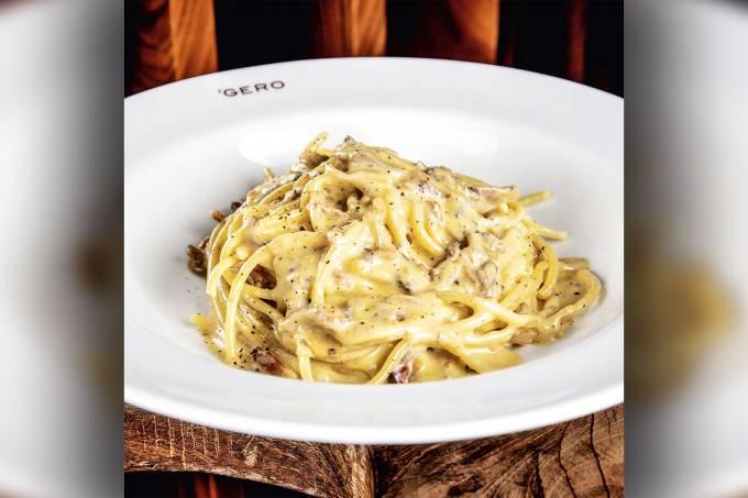 GERO—spaghetti-alla-carbonara—spaghetti-com-parmesão,-gema-de-ovo-e-guanciale—by-Tomas-Rangel.jpg