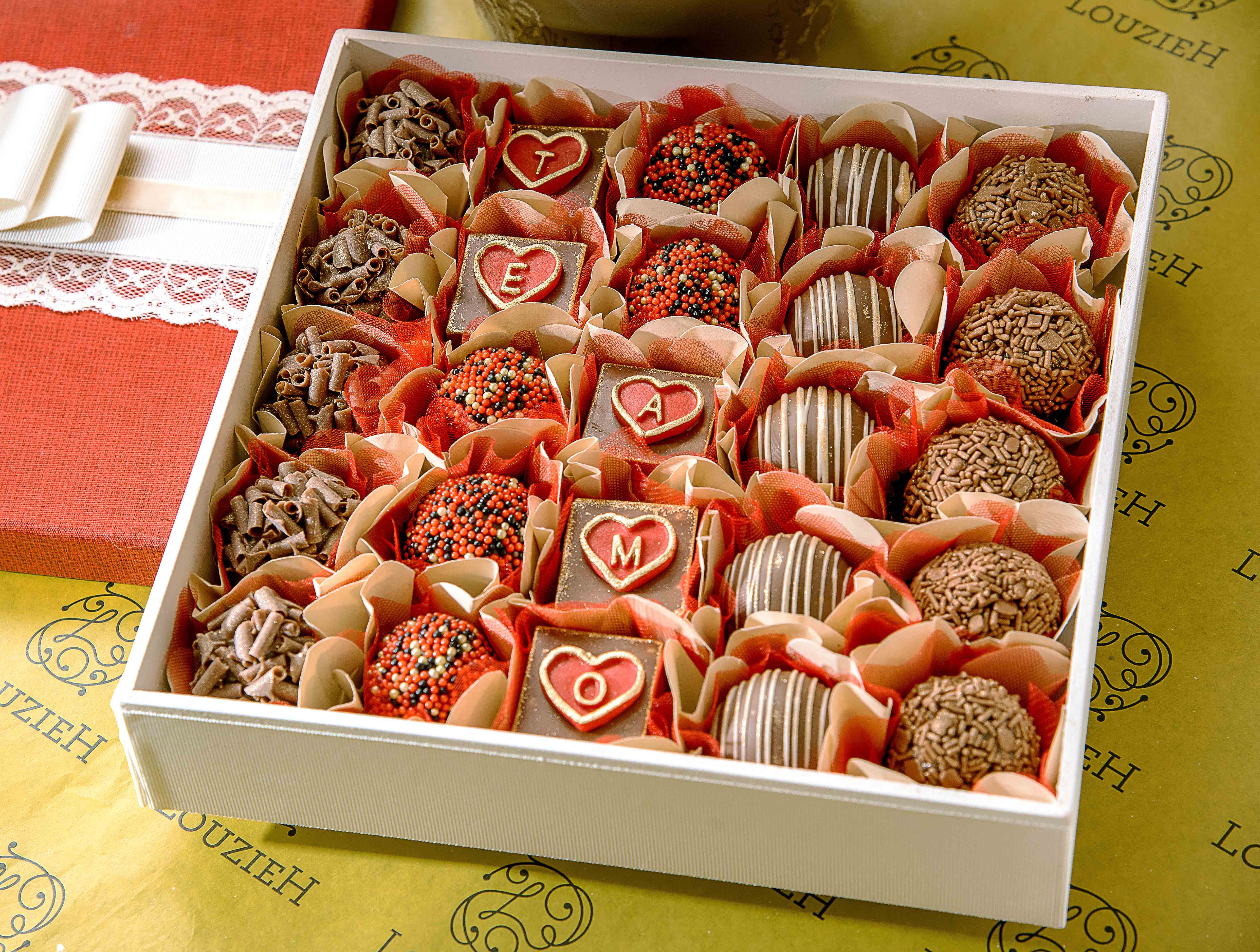 Lucy Sweets: Scatola in legno con dolci