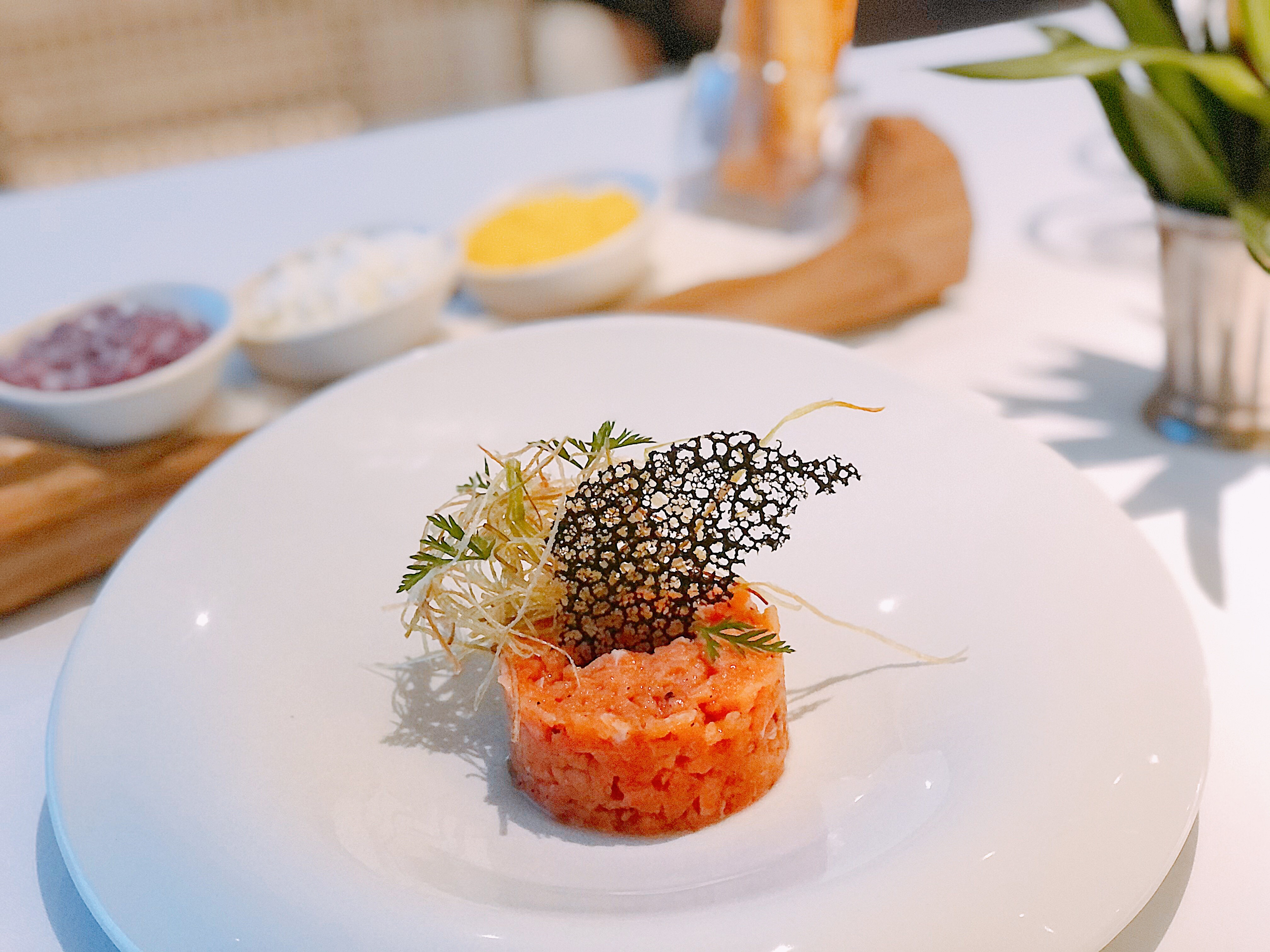 Tartare de salmão: entrada no menu especial do Beatriz