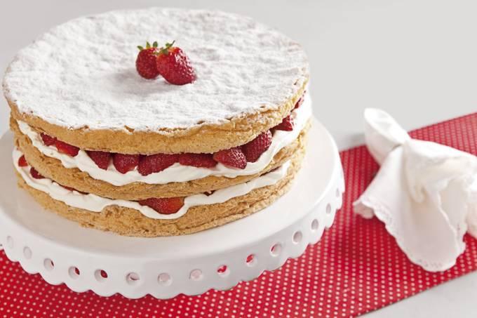 Torta-&-Cia_torta-desejo-de-morango_foto-Tomás-Rangel.jpg