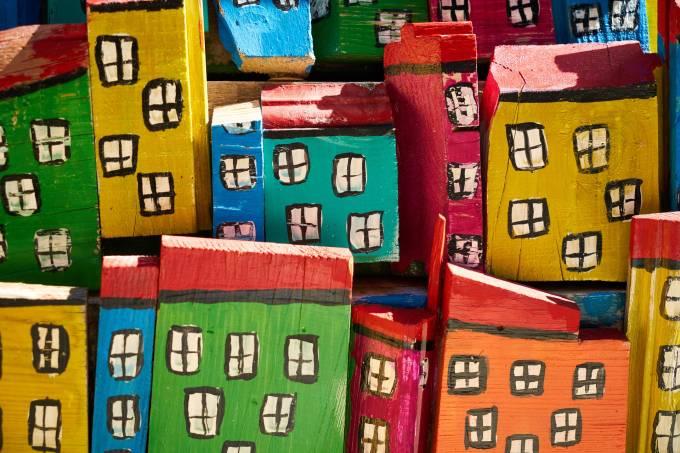 houses-4092670_1920