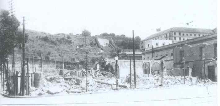 A fase final da demolição do Theatro Lyrico, em 1934 -