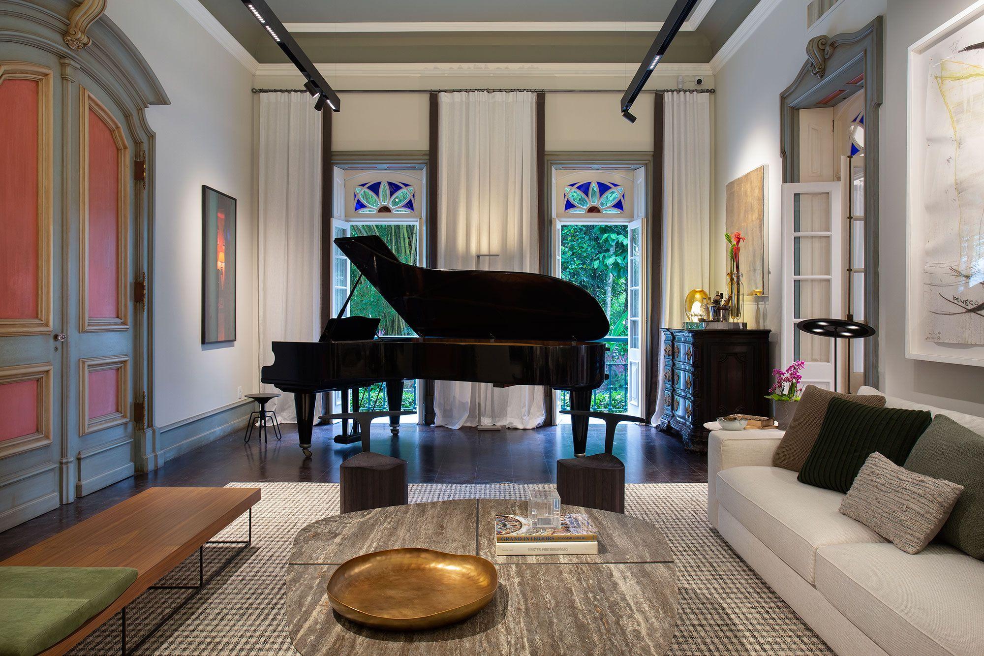 Sala do Piano. Ambiente de Luiz Fernando Grambowsky para a CASACOR Rio.