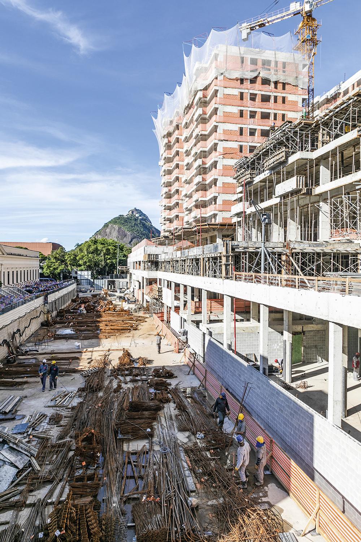 Lançamentos a todo vapor: quatro novos prédios sobem em Botafogo -