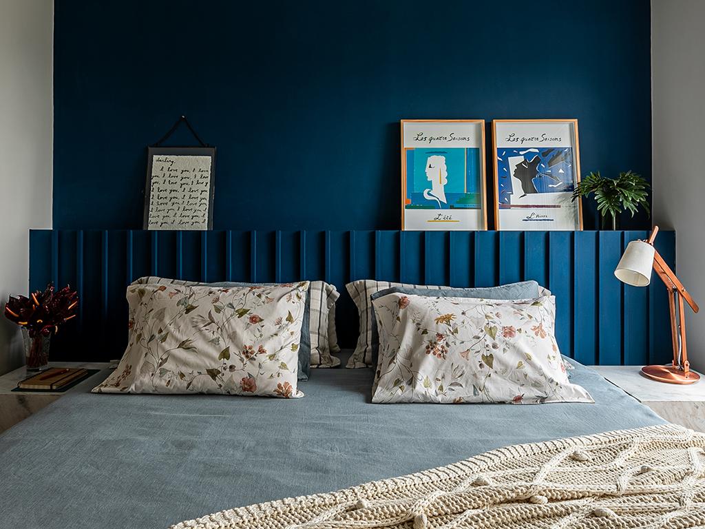 Ambientes integrados e cores marcam o décor do apartamento de Helô Marques.