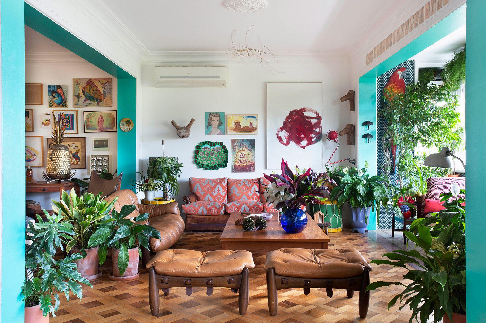 Apartamento com urban jungle assinado por Anna Luiza Rothier