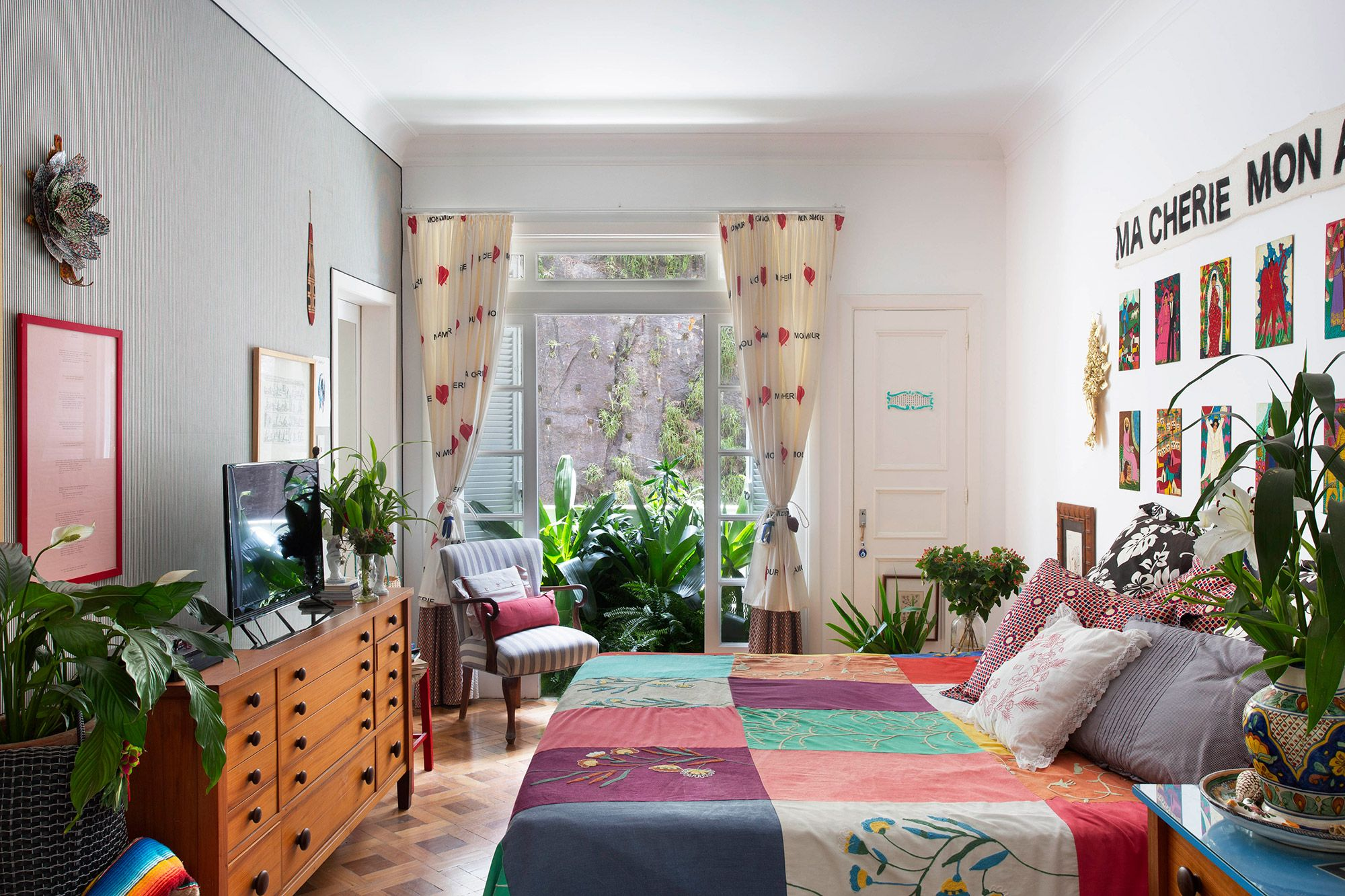 Urban Jungle: conheça o apartamento repleto de plantas de Isabela Capeto.