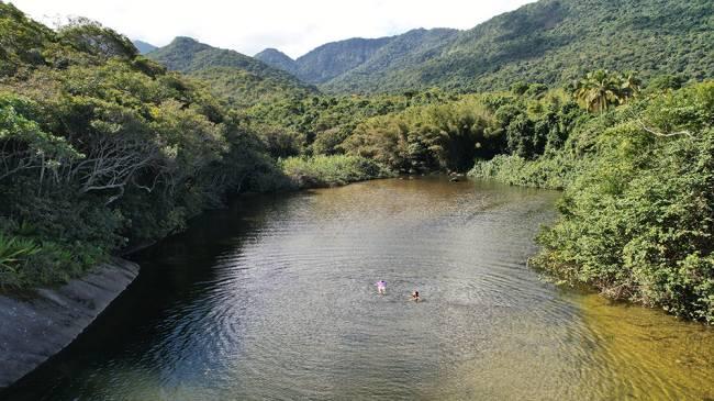 Banho de rio na Parnaioca