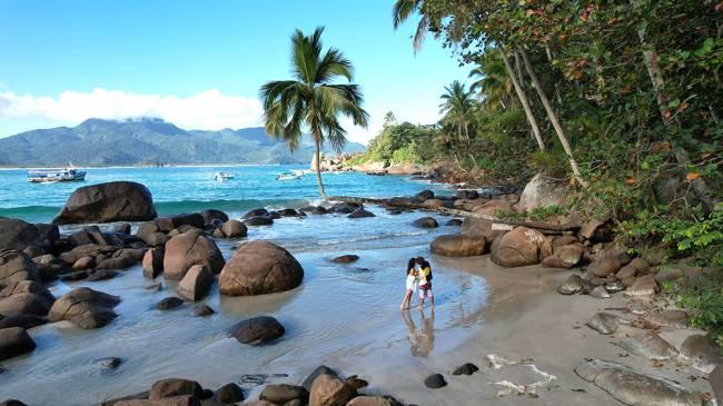 A praia de Aventureiros, no passeio com a Lig Lanchas