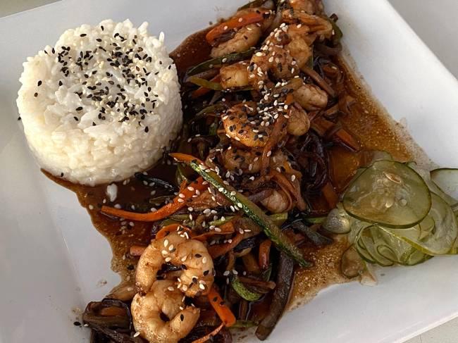 O camarão com risotinho: delícia!