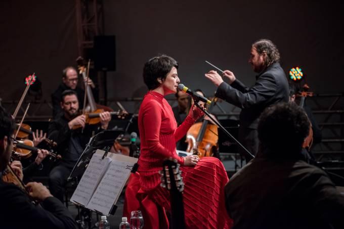 Fernanda Takai e Orquestra Ouro Preto