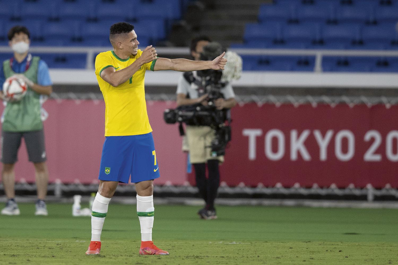 O craque Paulinho, ouro em Tóquio: gol comemorado com coreografia em homenagem a Oxóssi -