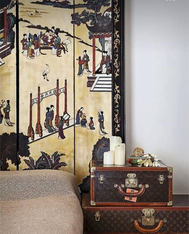 Imagem mostra um baú da marca Louis Vuitton