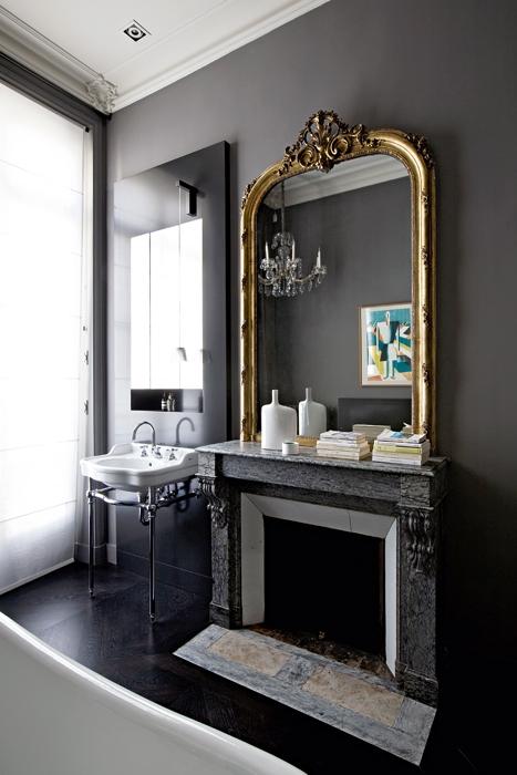 Banheiros clássicos voltam à decoração mais elegantes do que nunca