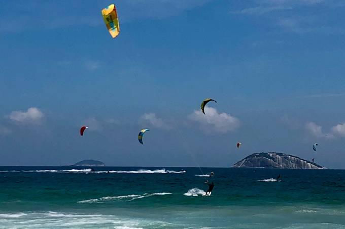 A festa do kitesurfe com o sudoeste no Jardim de Alah