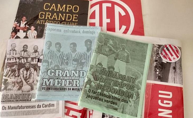 Foto mostra fanzines retrô de clubes do Rio