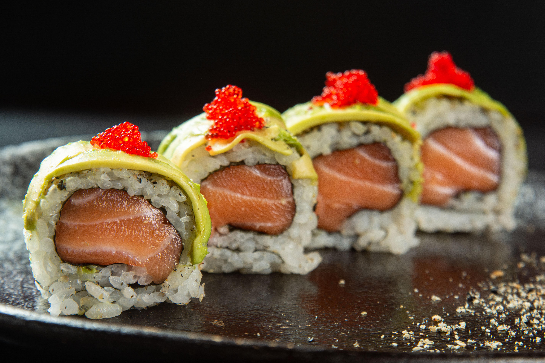 Maki salmão avocado: em cartaz no restaurante