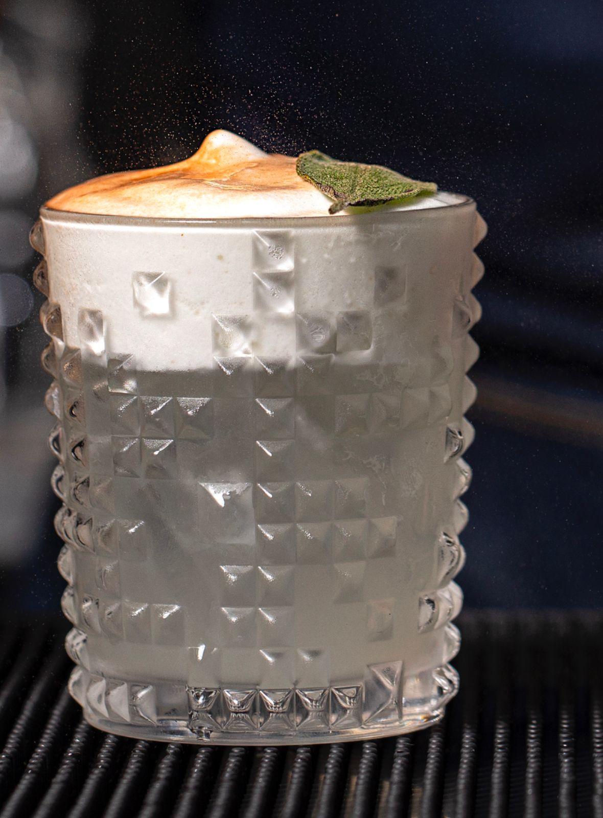 Bar do Claude: o drinque batizado com o nome da empreitada