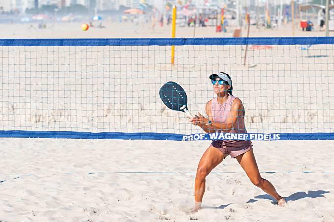Daniela-Alvarenga-beach-tennis-dermatologista