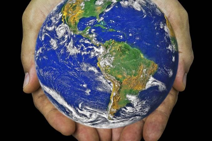 earth-gb6af71944_1920